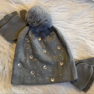 Other - Girls gray rhinestone hat and glove set